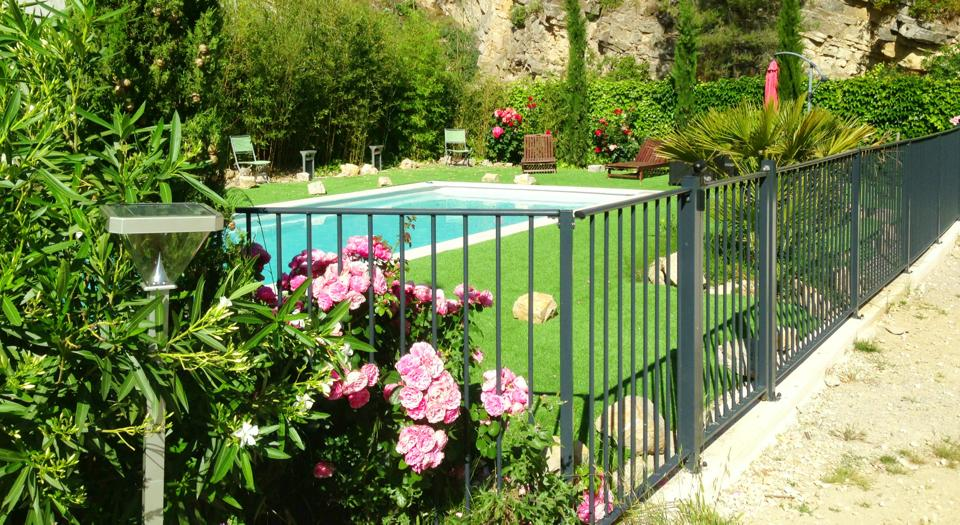 Cl ture de piscine verseau for Cloture amovible pour piscine