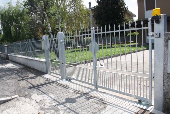 Portail fer forge modele luisa for Modele portail fer forge